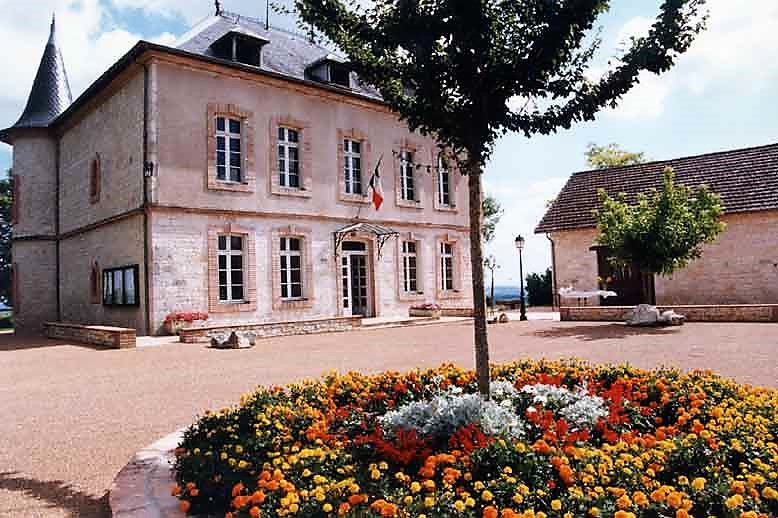 Montalzat mairie