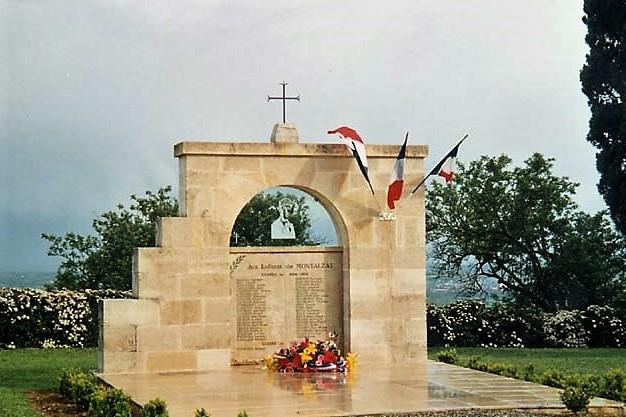 Montalzat monument aux morts